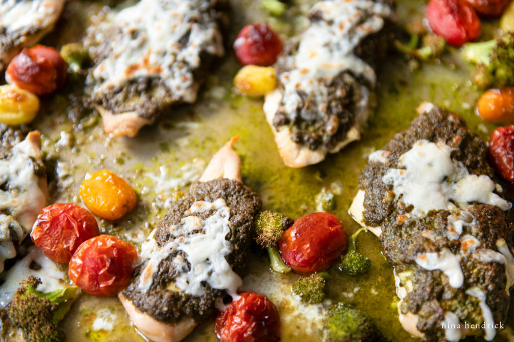Baked chicken with pesto